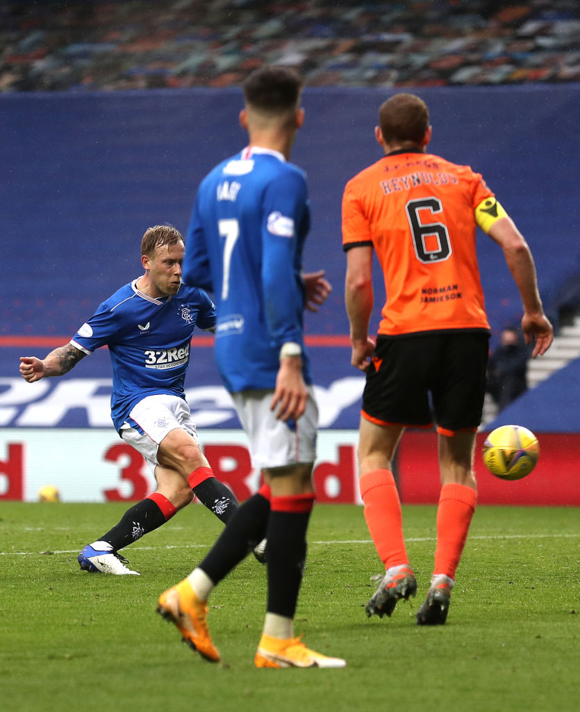 Rangers v Dundee United - Ladbrokes Scottish Premiership GLASGOW, SCOTLAND - SEPTEMBER 12: Scott Arfield of Rangers scores his team's fourth goal during the Ladbrokes Scottish Premiership match between Rangers and Dundee United at Ibrox Stadium on September 12, 2020 in Glasgow, Scotland.